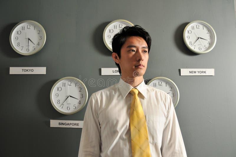Geschäftslokal mit Uhren 5 stockfotos