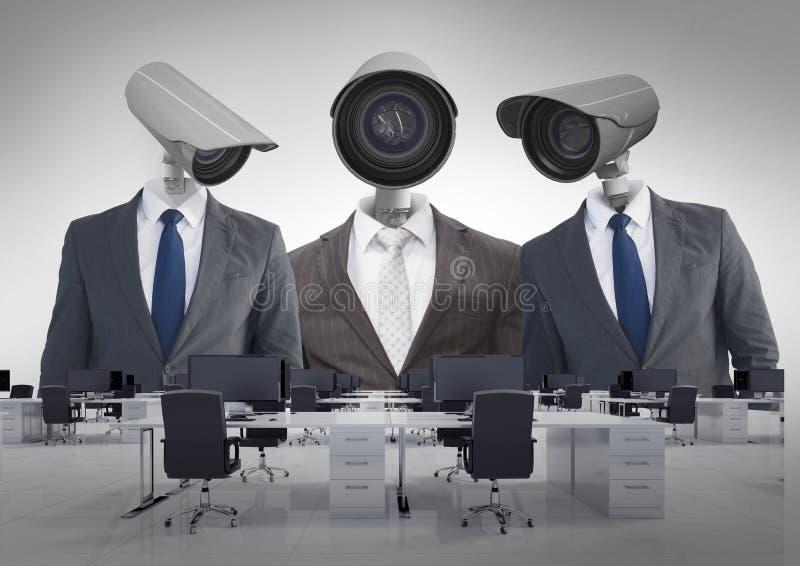 Geschäftsmänner mit CCTV-Kopf im Büro stockfotografie