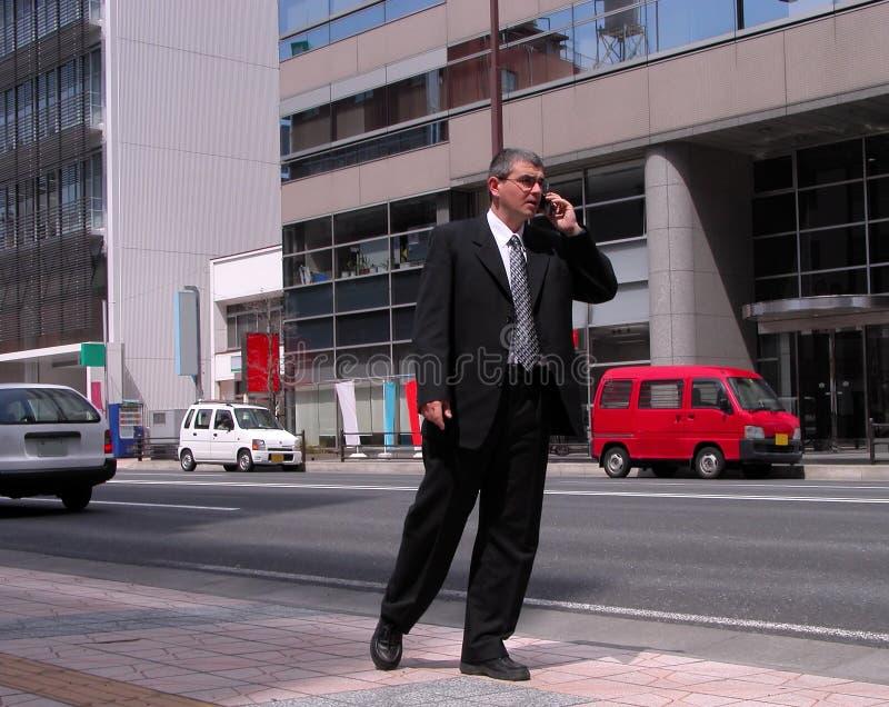 Geschäftsmann in der Stadt stockbilder