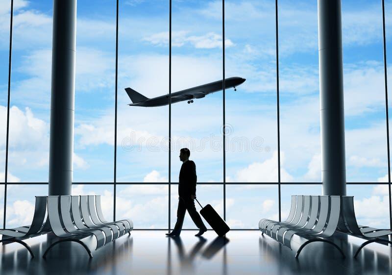 Geschäftsmann im Flughafen stockbilder