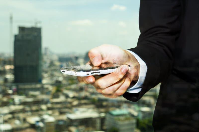 Geschäftsmann-Leute mit Gebäude-Konzept stockfotos