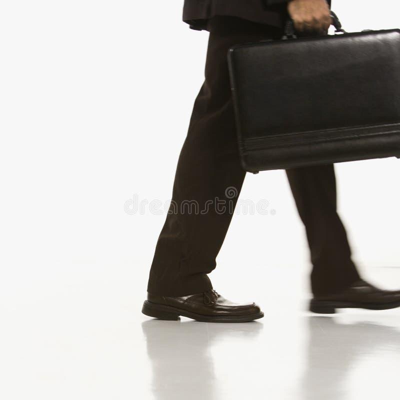 Geschäftsmann mit Aktenkoffer. lizenzfreie stockbilder