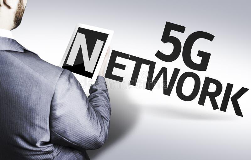 Geschäftsmann mit dem Text 5G Netz in einem Konzeptbild stockfoto