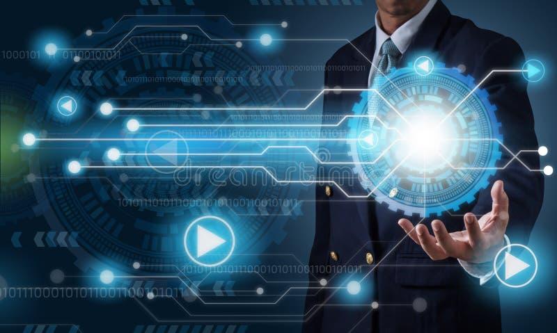 Geschäftsmann mit futuristics Zusammenfassungs-Hintergrundtechnologie lizenzfreie stockfotos