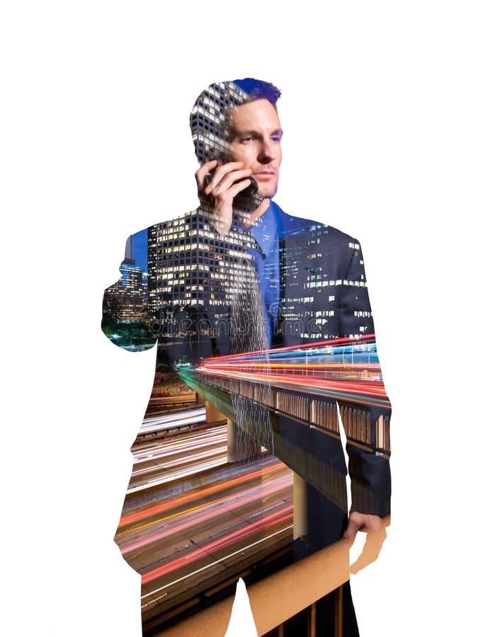 Geschäftsmann am Mobiltelefon in Los Angeles stockbild