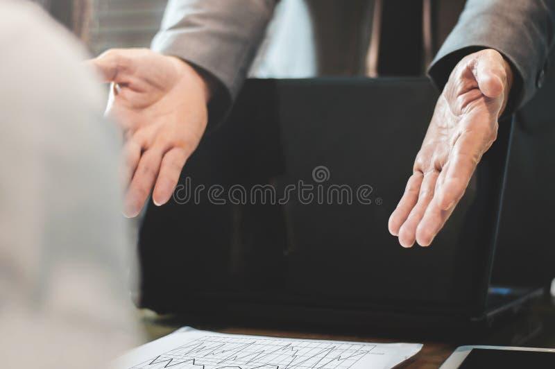 Geschäftsmann oder Chef beschweren sich lizenzfreie stockfotografie