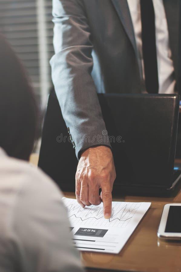 Geschäftsmann oder Chef beschweren sich stockbild