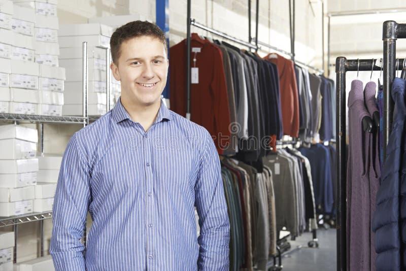 Geschäftsmann-Running On Line-Mode-Geschäft lizenzfreie stockfotos