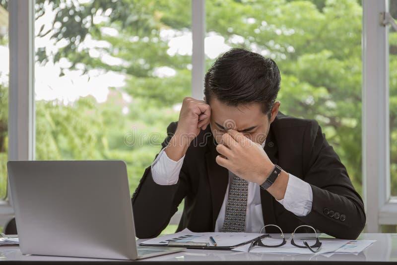Geschäftsmann sind sehr stressig lizenzfreie stockfotos