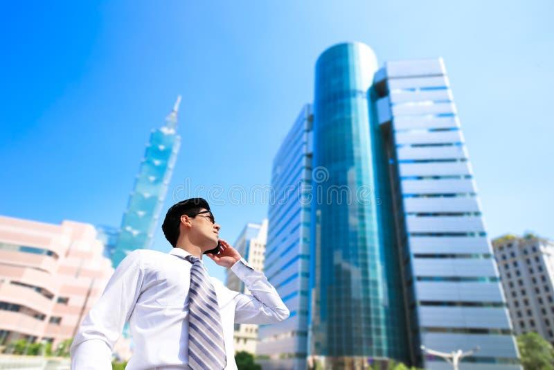 Geschäftsmann in Taipeh stockfotos