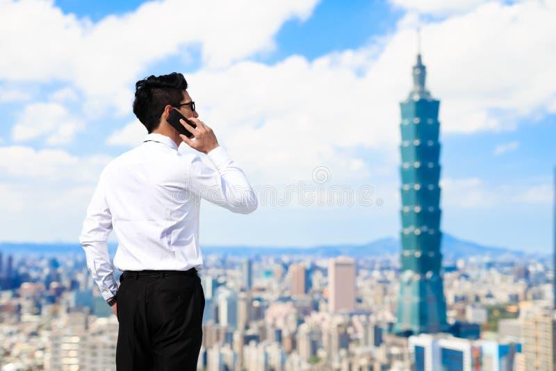 Geschäftsmann in Taipeh lizenzfreies stockbild