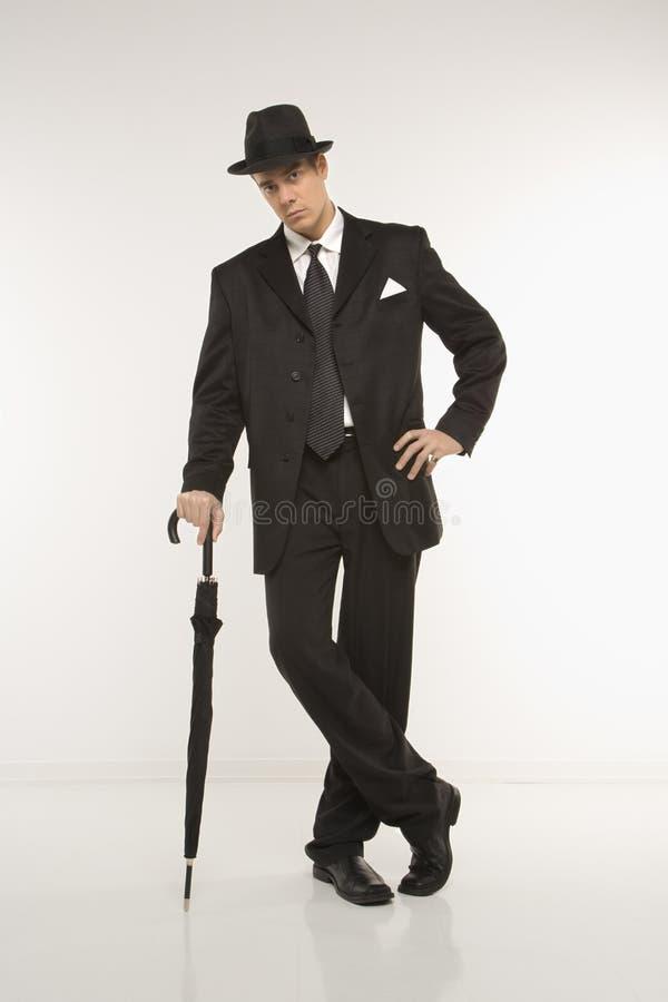 Geschäftsmann tragender Fedora stockfoto