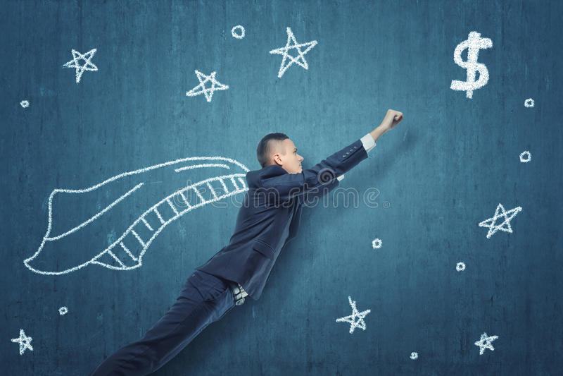 Geschäftsmannfliegen wie der Superheld, zum des Geldes zu erhalten lizenzfreies stockfoto