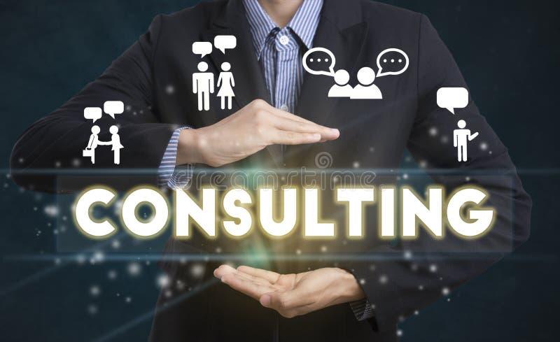 Geschäftsmannhand wählt Beratungsbenennung auf Schnittstellenschirm stockbild