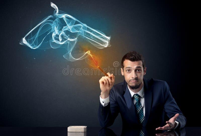 Geschäftsmannrauchen lizenzfreie stockbilder