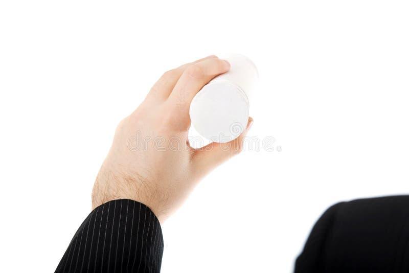 Geschäftsmannschreiben mit weißer Kreide stockfotos
