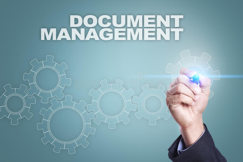 Geschäftsmannzeichnung auf virtuellem Schirm Dokumenten-Management-Konzept stock abbildung