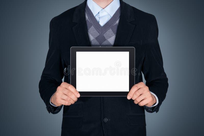 Geschäftsperson, die leeres Apfel ipad zeigt stockfotos