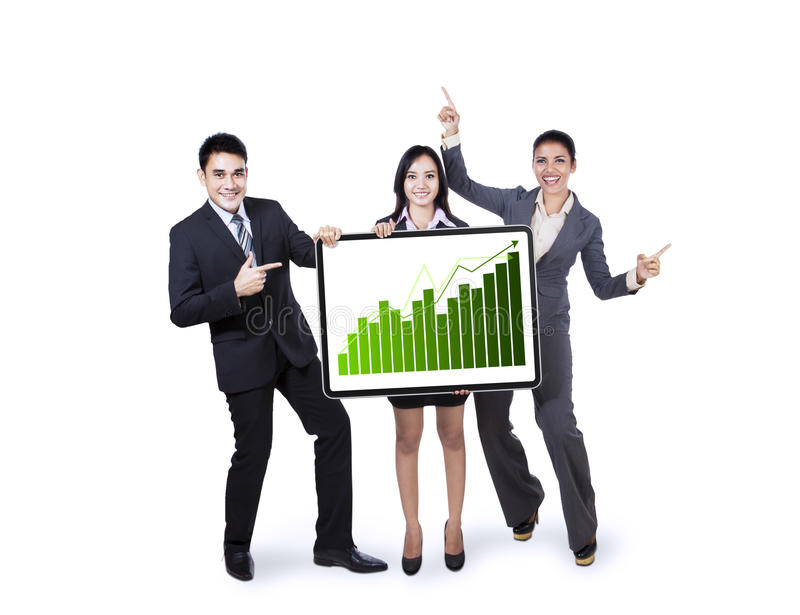 Geschäftsteam, das Wachstumsdiagramm hält stockbilder