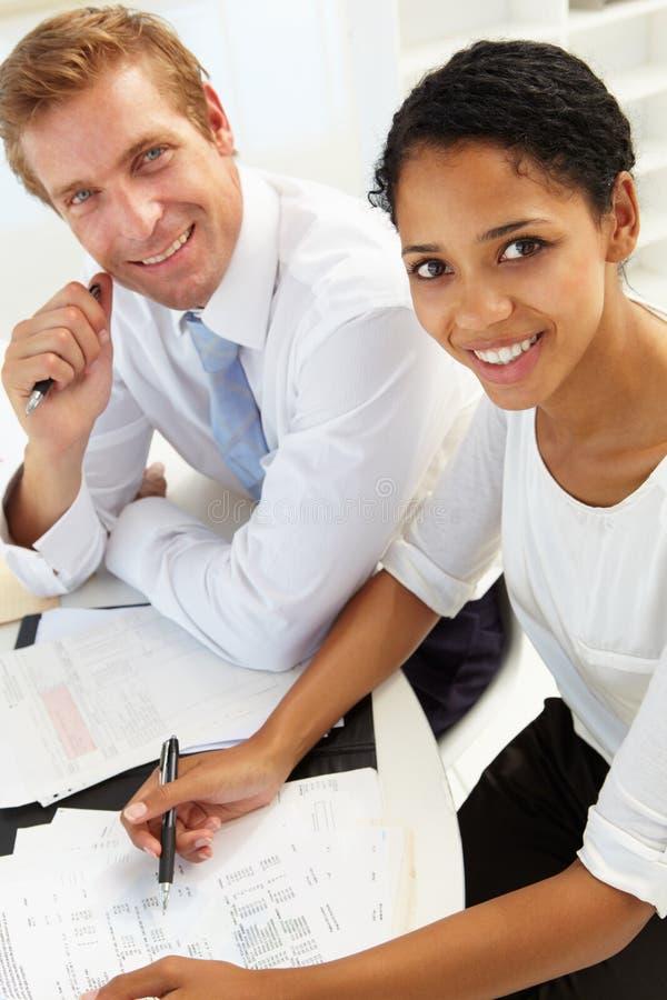 Geschäftstreffen in einem Büro stockbilder