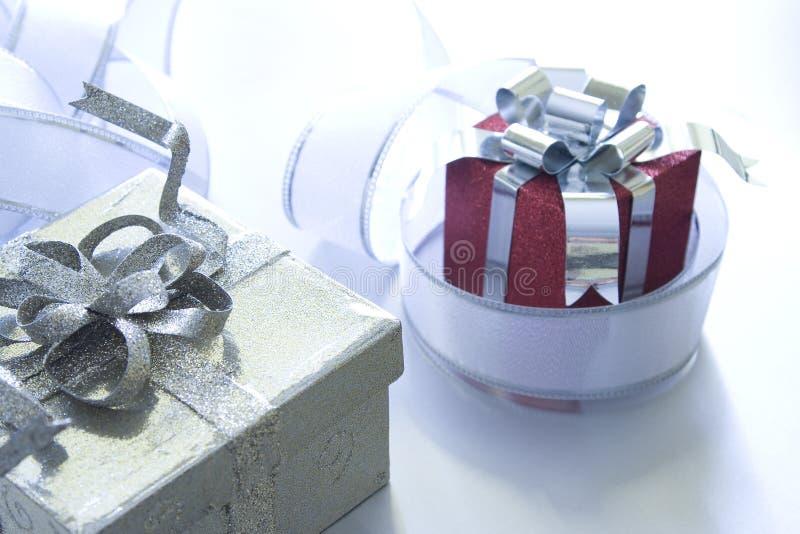 Download Geschenk stockfoto. Bild von verpackung, kasten, leben - 12202448