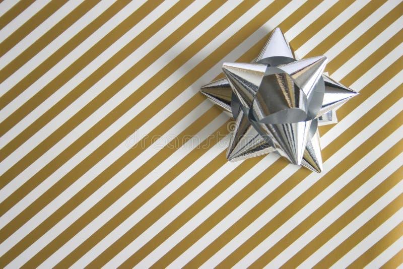 Download Geschenk stockfoto. Bild von paket, silber, verpackung, geben - 49772