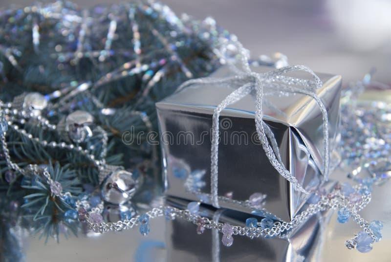 Download Geschenk Des Neuen Jahres (Weihnachten) Stockbild - Bild von weihnachten, kugel: 12202069