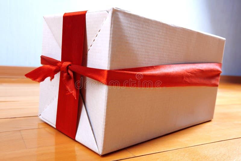 Geschenk in Ihrem Haus für Feiertage stockfoto