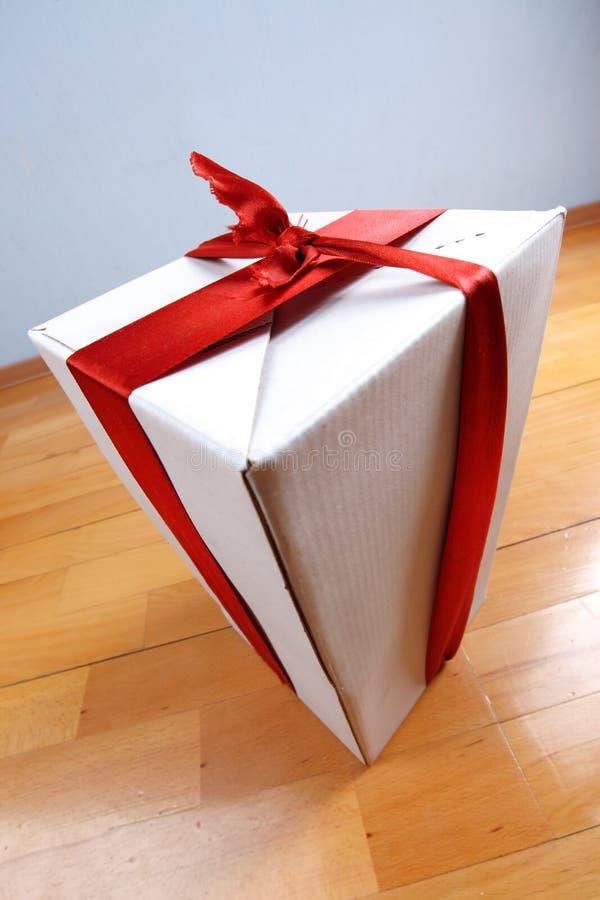 Geschenk in Ihrem Haus für Feiertage lizenzfreies stockfoto