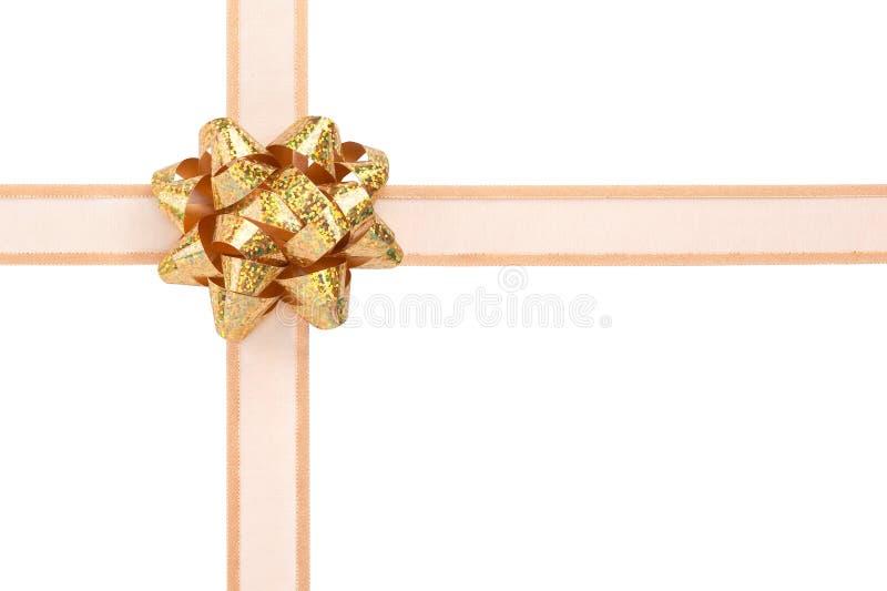 Geschenk-Verpackung mit Goldfarbband und Sparkly Bogen stockfotografie