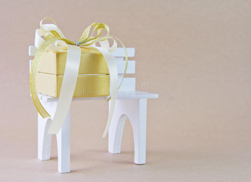 Geschenkbox lizenzfreie stockbilder