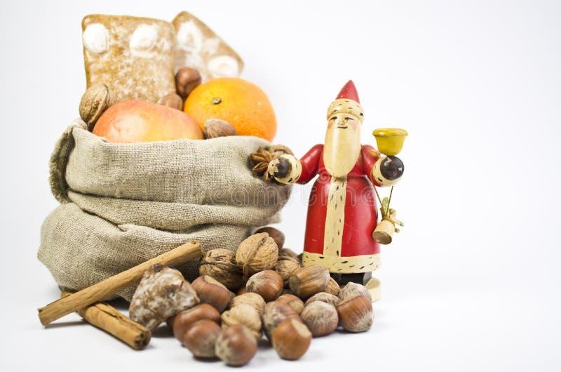 Geschenke am Sankt- Nikolaustag stockfotos