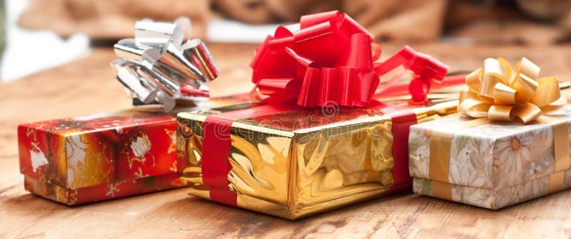 Download Geschenkkästen stockfoto. Bild von geschenk, vorabend - 12202048