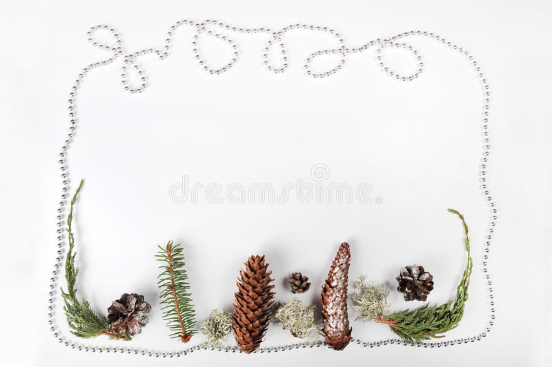 Geschenkkästen mit den goldenen Farbbändern getrennt auf weißem Hintergrund lizenzfreie stockfotografie