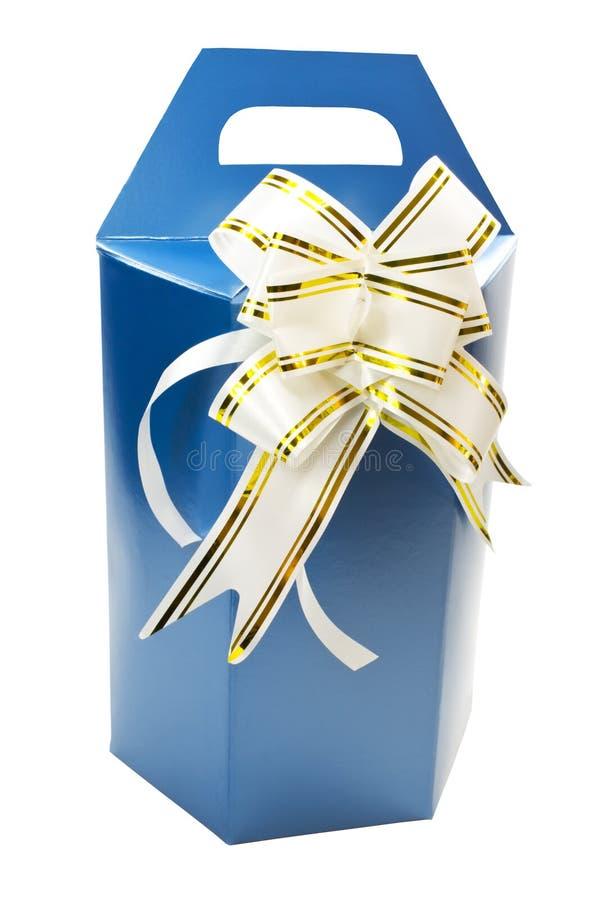 Geschenkkasten mit dem Bogen getrennt auf Weiß stockbild