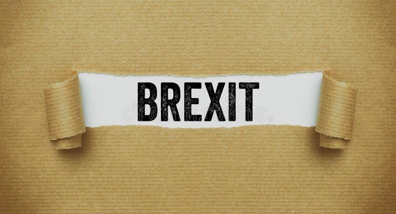 Gescheurd pakpapier die het woord Brexit openbaren royalty-vrije stock foto