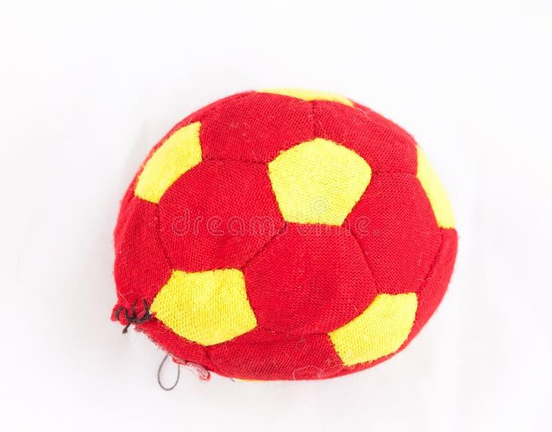 Gescheurde stoffenvoetbal, een stuk speelgoed voor hond royalty-vrije stock afbeeldingen