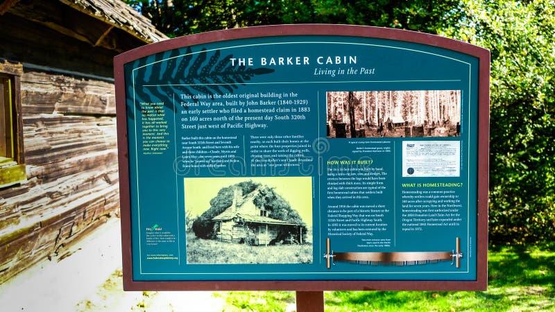 Geschichte auf einem Brett in den West-Hylebos-Sumpfgebieten parken im Frühherbst, Bundesweise, WA, Vereinigte Staaten stockfoto