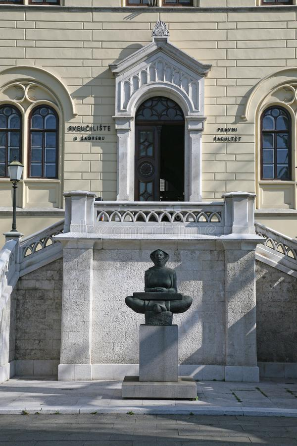 Geschichte der Kroateskulptur einer Frau in Zagreb stockfotografie