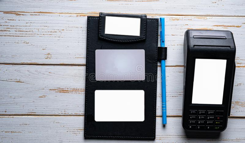 Geschikte betaling met moderne technologie stock afbeelding