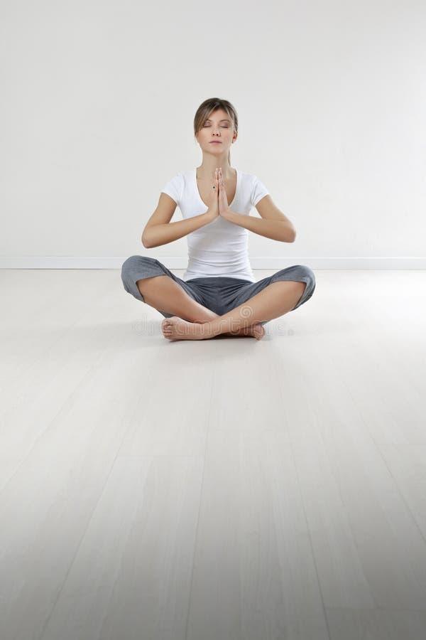Geschiktheid en yoga royalty-vrije stock afbeelding