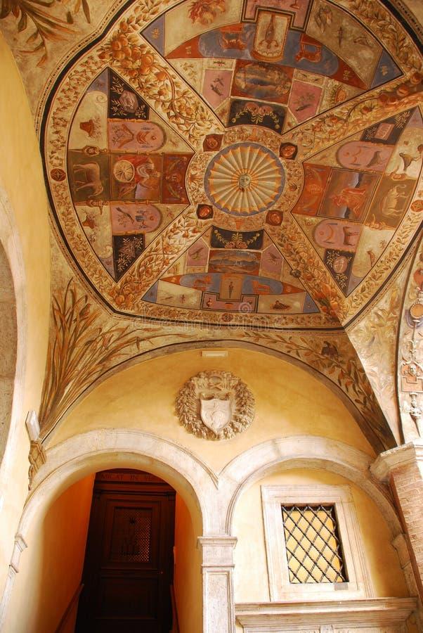 Geschilderd Plafond in Siena, Italië stock afbeelding