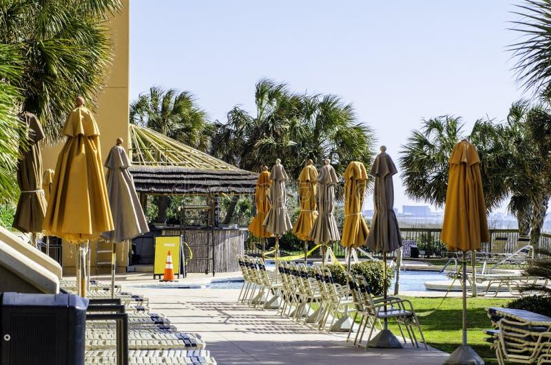 Geschlossenen Regenschirmes im Hotel in Myrtle Beach lizenzfreie stockfotos