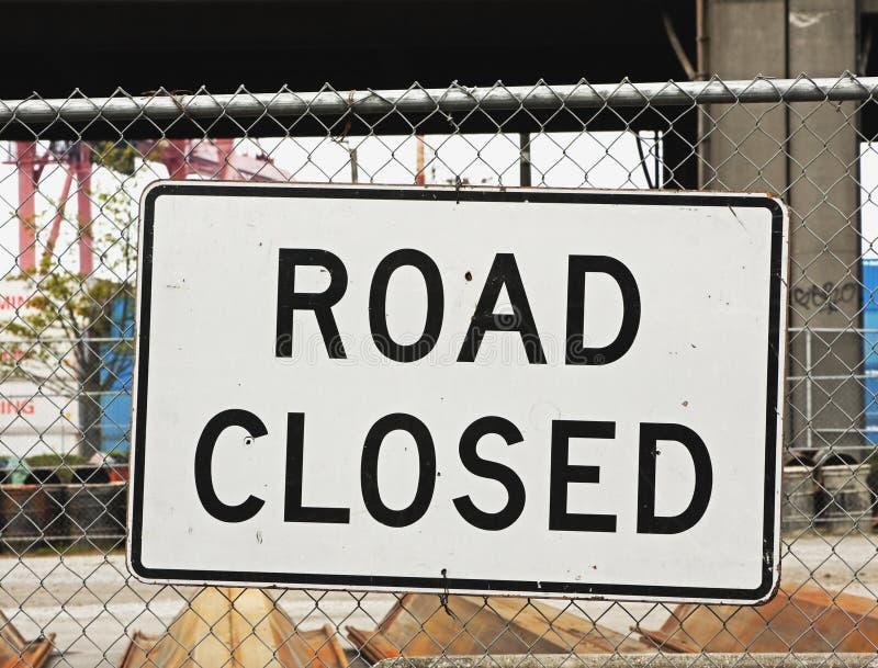 Geschlossenes Zeichen der Straße stockfotografie