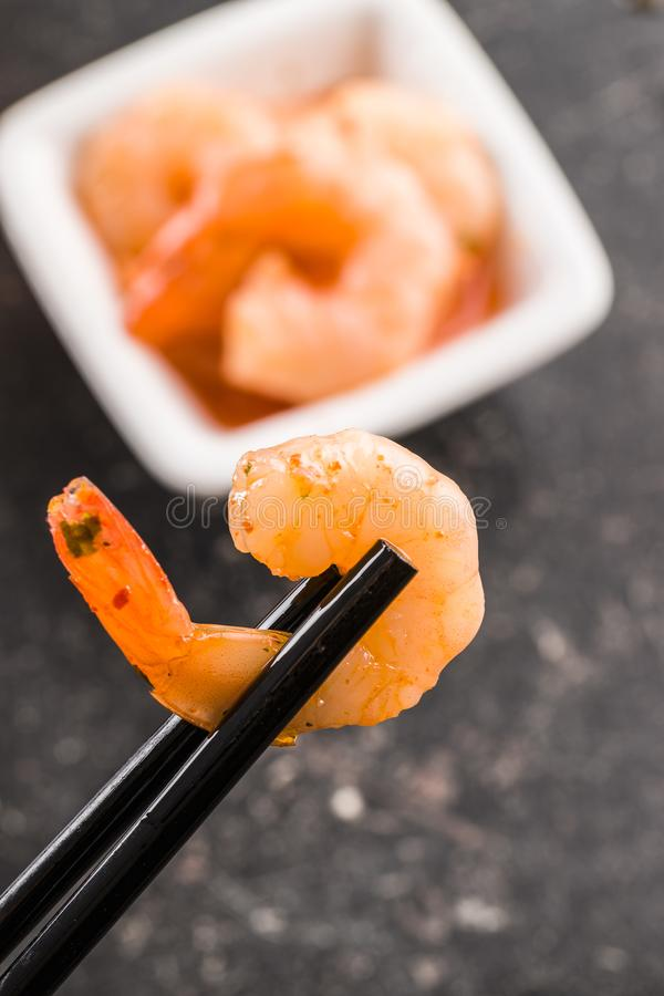 Geschmackvolle marinierte Garnelen stockfotos