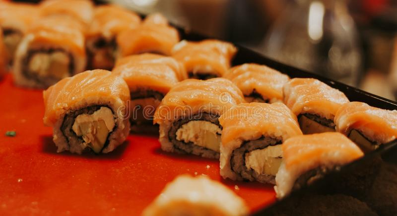 Geschmackvolle thailändische Sushi lizenzfreies stockfoto