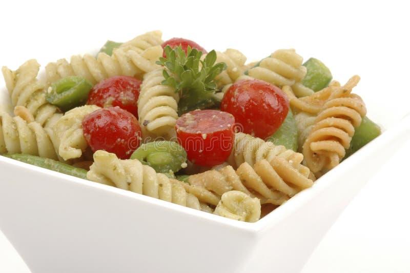 Geschmackvoller Teigwaren-Salat lizenzfreie stockbilder