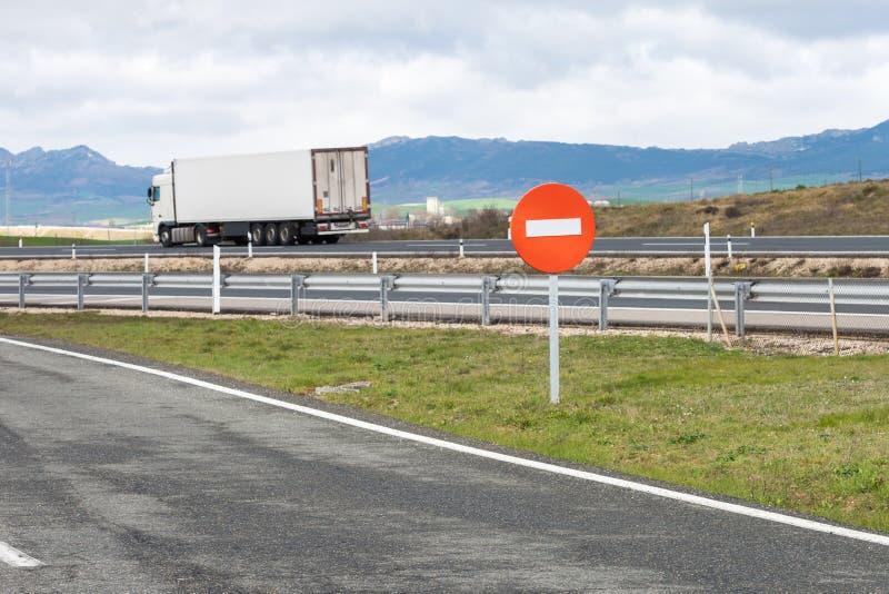 Geschmiertes Autoschattenbild auf der Autobahn lizenzfreies stockfoto