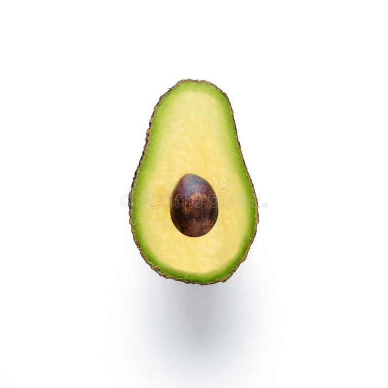 Geschnittene Avocado lokalisiert auf weißem Hintergrund lizenzfreies stockfoto