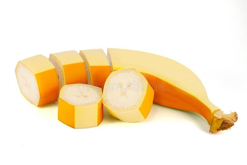 Geschnittene Banane lokalisiert auf weißem Hintergrund lizenzfreie stockfotos